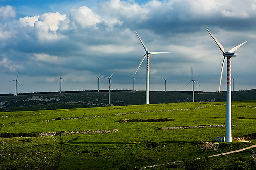 Wind turbines in Italy. Flickr photo from Sebastiano Pitruzzello. CC.